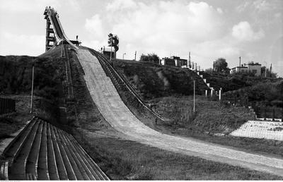 Skocznia narciarska w Warszawie w 1960 roku /Zbyszko Siemaszko /Ze zbiorów Narodowego Archiwum Cyfrowego