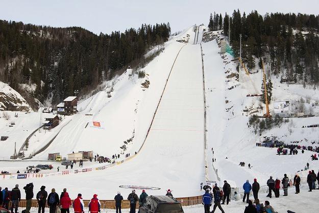 Skocznia Vikersund czeka na nowy rekord. Być może zostanie on pobity w najbliższy weekend... /AFP