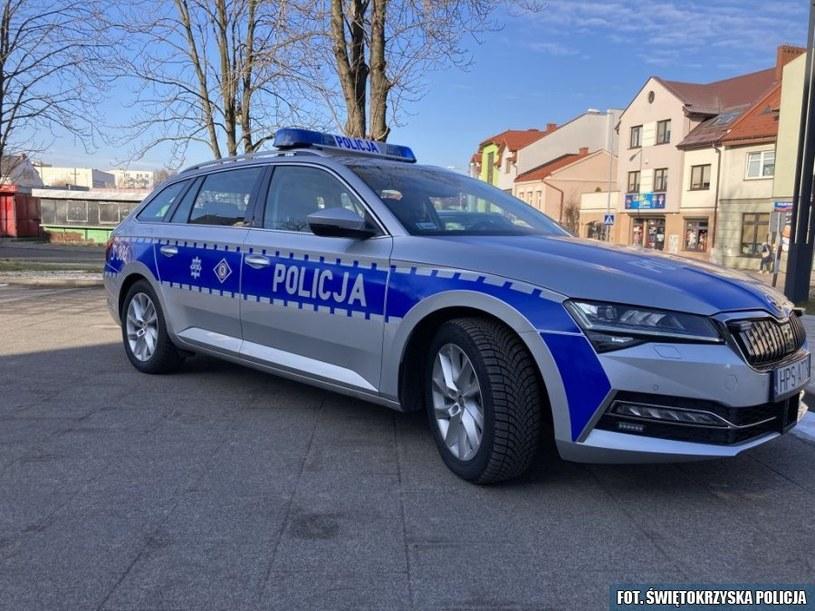 Skoda Superb Combi iV /Policja