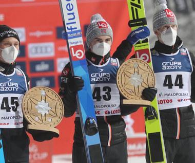 Skoki narciarskie. Lindvik wygrywa w Zakopanem. Stękała z najlepszym wynikiem w karierze. Wideo