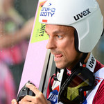 Skoki narciarskie. Piotr Żyła wręczył butelkę alkoholu Thomasowi Morgensternowi