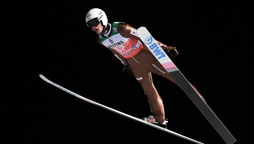 Skoki narciarskie – PŚ w Ruce. Polacy skaczą w kwalifikacjach