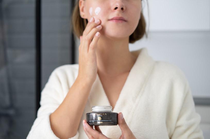 Skóra następnego dnia po zastosowaniu kosmetyków była rozświetlona i wypoczęta /INTERIA