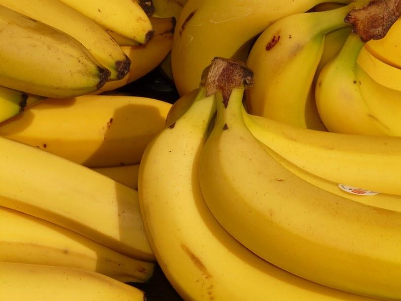 Skórka od banana ma wiele zastosowań /pexels.com /Internet
