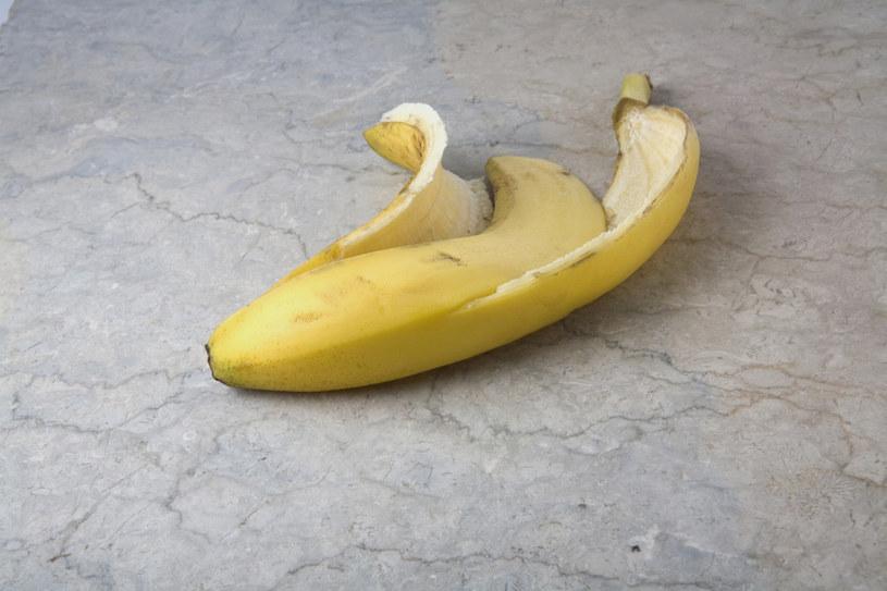skórka z bananów do butów /© Photogenica