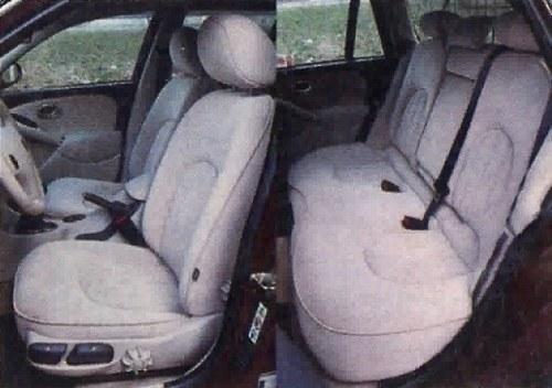 Skórzana tapicerka i elektrycznie regulowane fotele w ciężarówce? W Roverze 75 Tourer to nie razi. /Motor