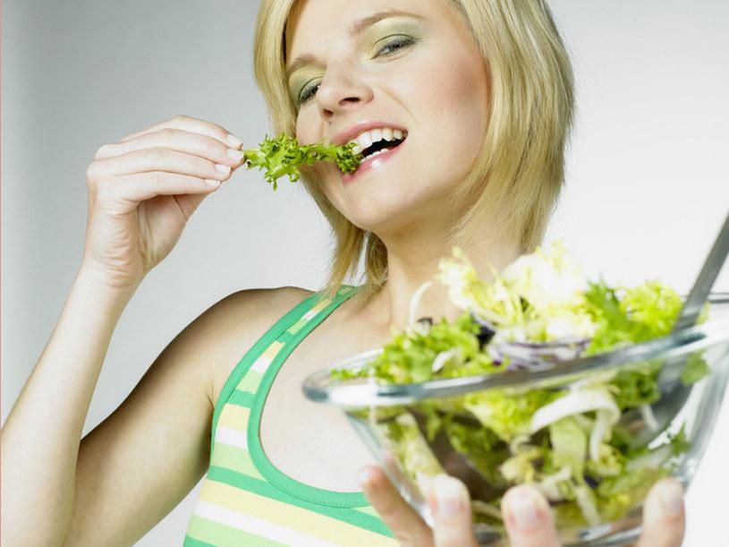 Skorzystaj z tego, że na straganach pojawiły się już świeże warzywa i odmień swoją dietę  /© Panthermedia