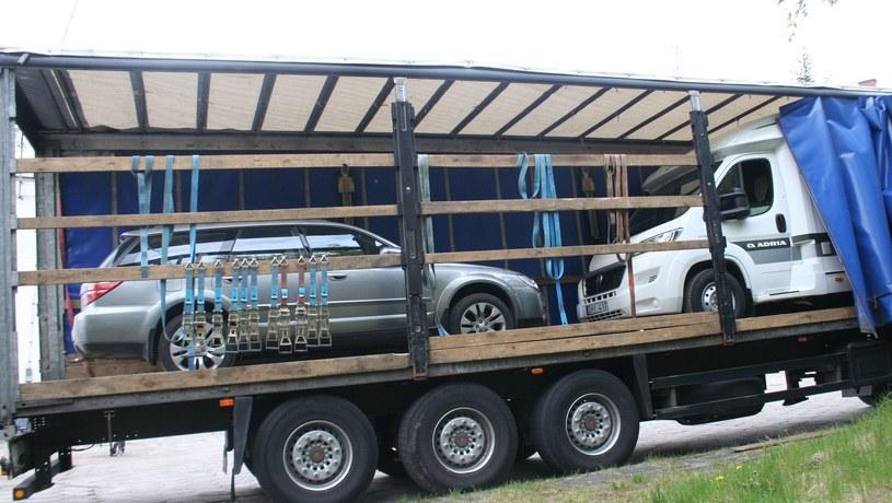 Skradzione Subaru Outback i Fiat Ducato /Policja