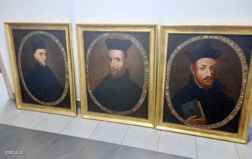 Skradzione zabytkowe obrazy pochodziły z XVIII wieku /Komenda Stołeczna Policji w Warszawie /Archiwum