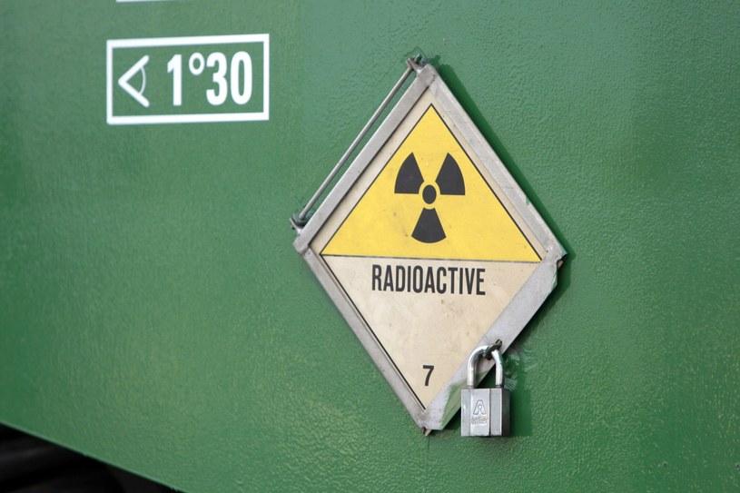 Skradziono ciężarówkę przewożącą substancje radioaktywne, zdjęcie ilustracyjne /AFP