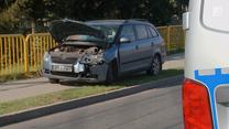 Skręcał na skrzyżowaniu, nie zauważył jadącego z naprzeciwka samochodu