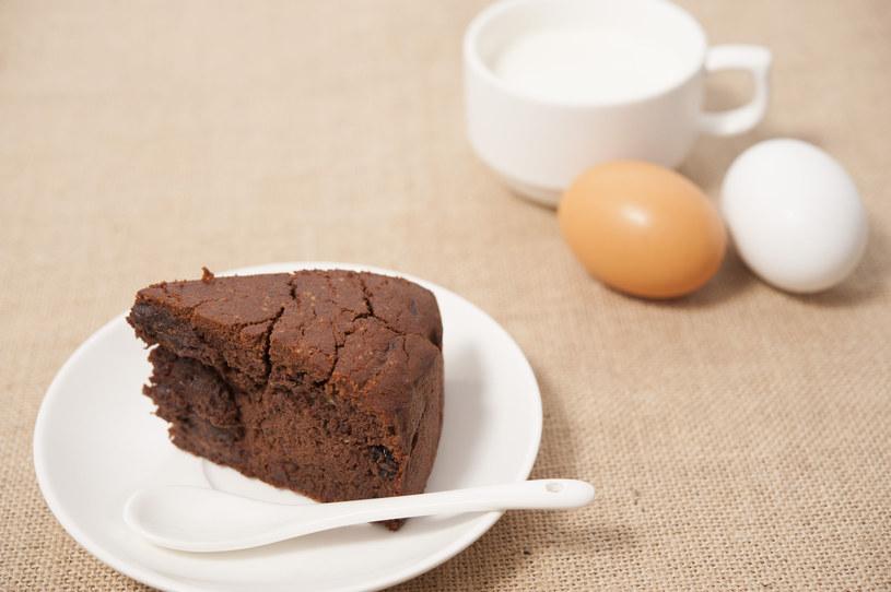 Skromne PRL-owskie murzynki były namiastką ciasta czekoladowego /123RF/PICSEL