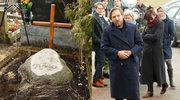 Skromny pogrzeb Andrzeja Żuławskiego. Tak wyglądają synowie