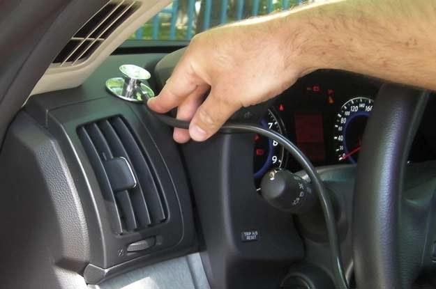 Skrzypiący panel to efekt znacznego zużycia całego samochodu /INTERIA.PL