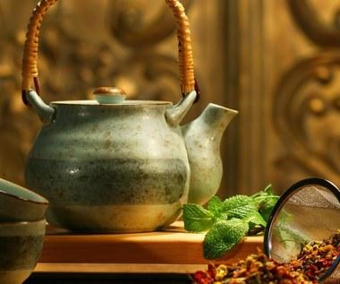 Skuteczne herbatki ziołowe na zrzucenie wagi
