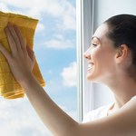 Skuteczne sposoby na mycie okien. Krok po kroku