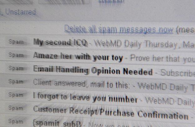 Skuteczniejsze od spamu są precyzyjnie wymierzone ataki /AFP