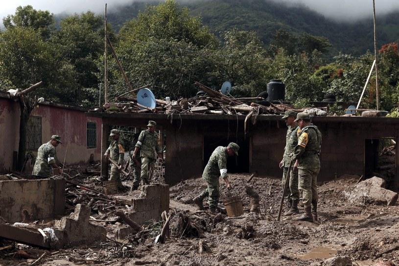 Skutki intensywnych ulew w Meksyku /PAP/EPA