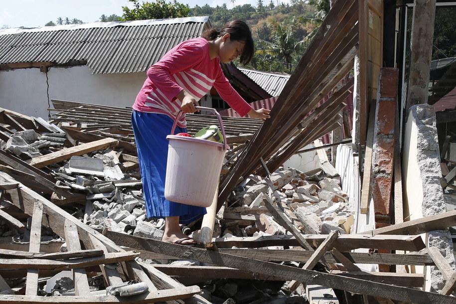 Skutki poprzedniego trzęsienia ziemi na Lombok /ADI WEDA /PAP/EPA