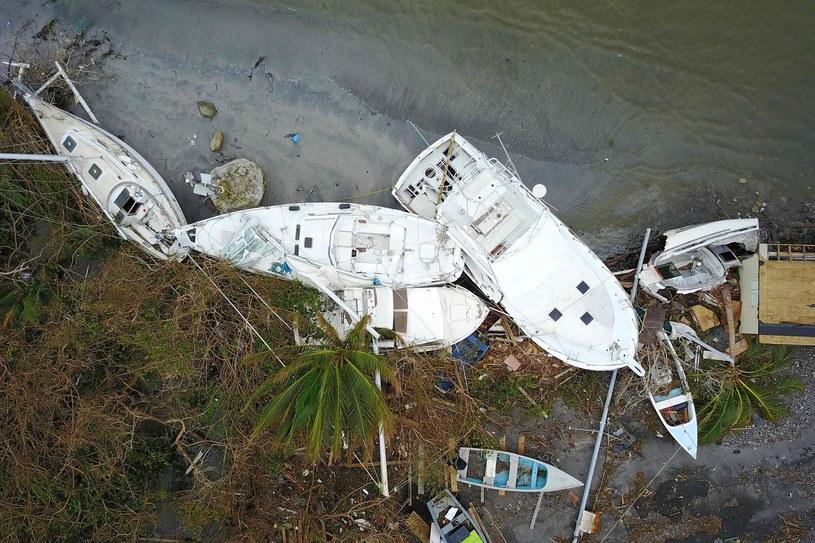 Skutki przejścia huraganu w Portoryko /RICARDO ARDUENGO /AFP