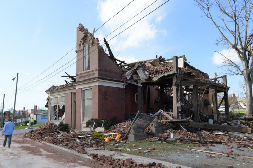 Skutki tornada w Nashville /AFP