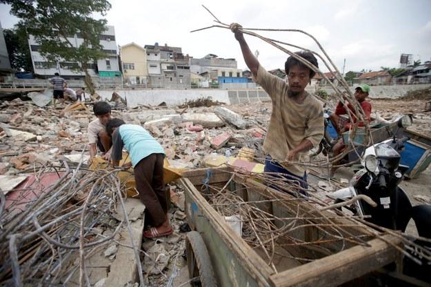 Skutki trzęsienia ziemi w Indonezji /BAGUS INDAHONO /PAP/EPA