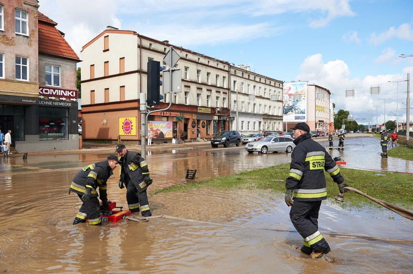 Skutki ulewy w Gdańsku, zdjęcie ilustracyjne /Adam Warżawa /PAP