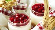 Skyrnik - czyli sernik na zimno w słoiczku z wiśniami