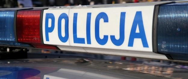 Śląsk: Samochód wjechał w grupę pieszych. Nie żyje 13-letnia dziewczynka