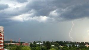 Śląsk: Usunięto awarie prądu po burzach. Alarmowy poziom ozonu