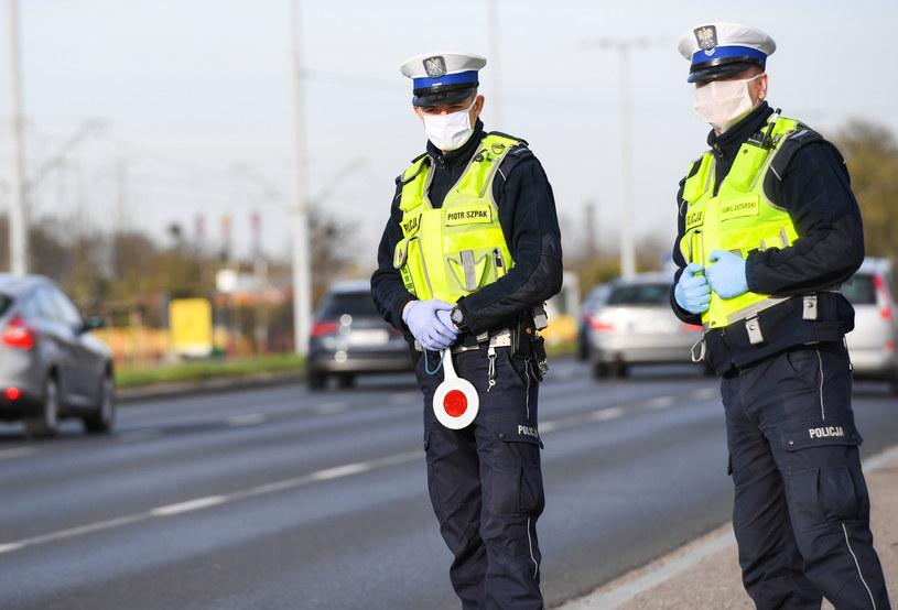 Śląskie: Mężczyzna złamał kwarantannę. Wpadł na jeździe autem po pijanemu (zdj. ilustracyjne) /Pawel Skraba /Reporter