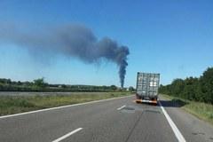 Śląskie: Pożar zakładu produkującego doniczki