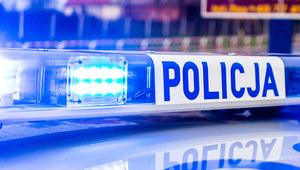 Śląskie: Samochód wbity w drzewo, nie żyje dwuletnie dziecko