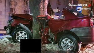 Śląskie: Samochód wypadł z drogi. 25-latek nie żyje, pasażerka w ciężkim stanie
