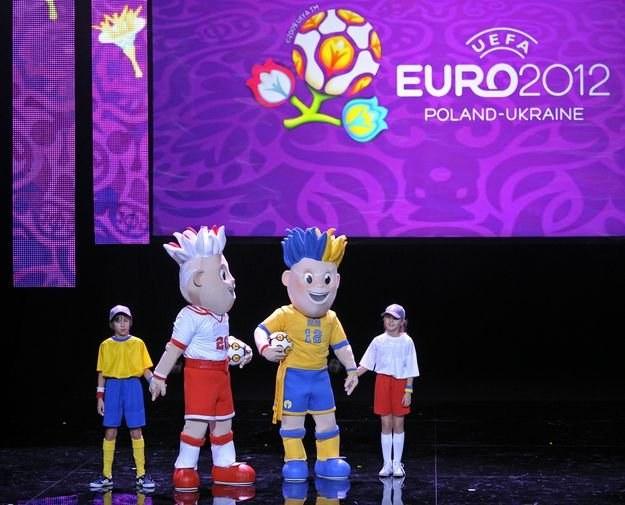 Slavek i Slavko - oficjalne maskotki Euro 2012 /AFP