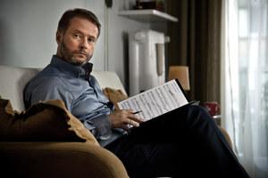 Sławny pianista Paweł (Artur Żmijewski) ma cierpliwość tylko do swojego instrumentu. Z synem i ojcem będzie musiał nauczyć się rozmawiać. /fot  /materiały prasowe