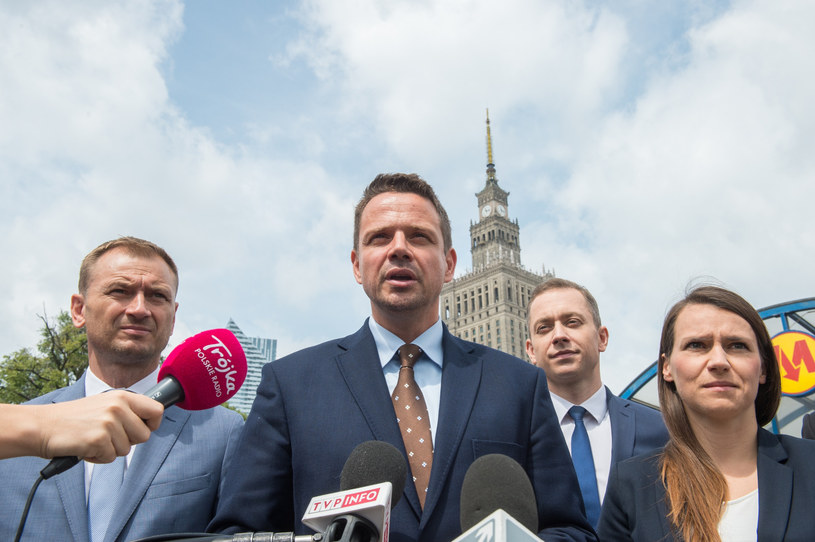 Sławomir Nitras, Rafał Trzaskowski i Agnieszka Pomaska /Jacek Dominski/ /Reporter