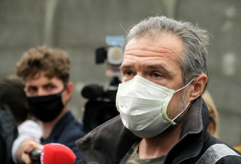 Sławomir Nowak po opuszczeniu aresztu wygłosił krótkie oświadczenie /Mateusz Grochocki /East News