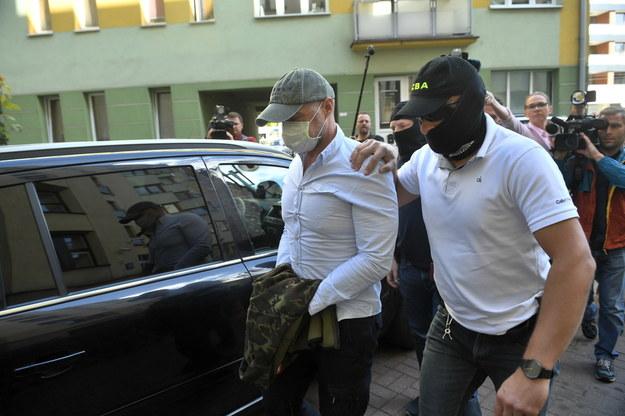 Sławomir Nowak przed wejściem do sądu / Radek Pietruszka   /PAP