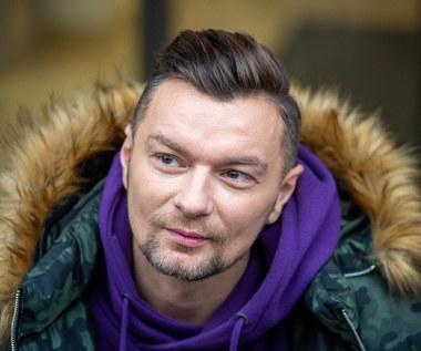"""Sławomir Peszko w nowym kawałku Libera z InoRos. Zobacz teledysk """"La zabawa"""" [SPRAWDŹ TEKST]"""