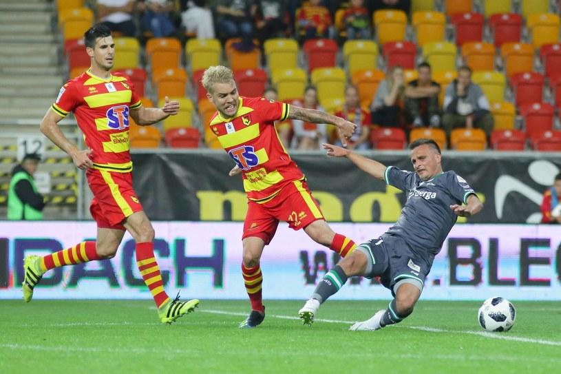 Sławomir Peszko (z prawej) znowu będzie pauzował po czerwonej kartce /Maciej Gilewski /Newspix
