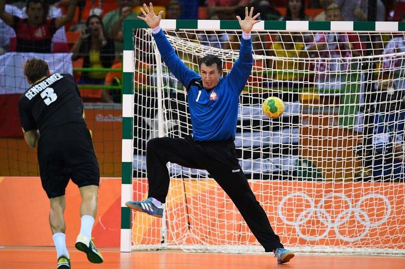 Sławomir Szmal podczas meczu z Niemcami na igrzyskach w Rio /AFP