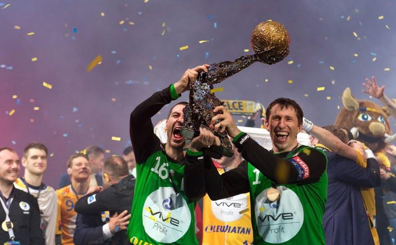 Sławomir Szmal (z prawej) /AFP