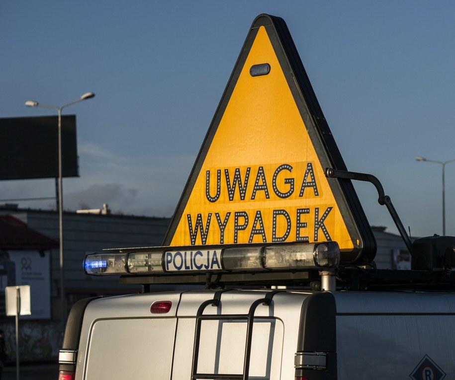 Śledczy zarzucają policjantowi prowadzenie samochodu pod wpływem alkoholu. Zdj. ilustracyjne /Michał Walczak /PAP