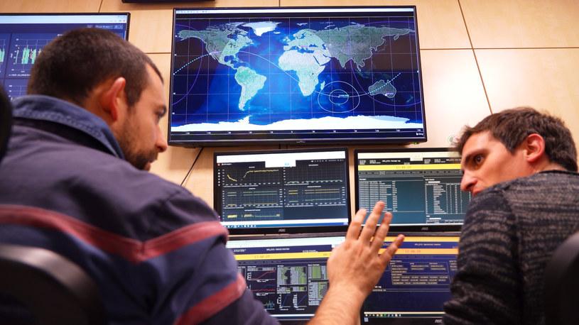 Śledzenie trajektorii PhiSat-1 /materiały prasowe