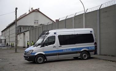 Śledztwo ws. podrzucenia zdjęć do celi Mariusz T. trafi do tarnowskiej prokuratury