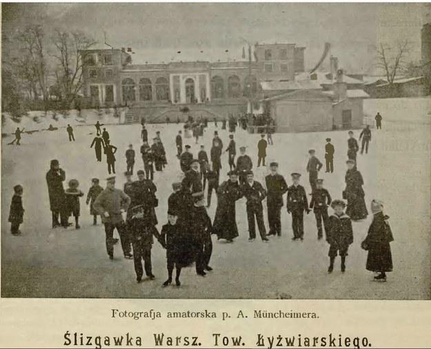 Ślizgawka Warszawskiego Towarzystwa Łyżwiarskiego w 1901 roku /A Muncheimer /Materiały prasowe