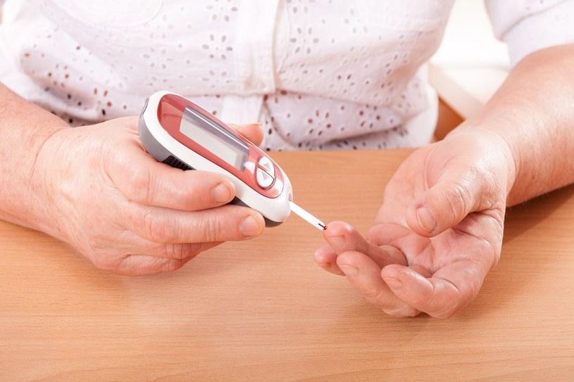 Słodka krew to nic dobrego dla drobnych naczyń krwionośnych /123RF/PICSEL