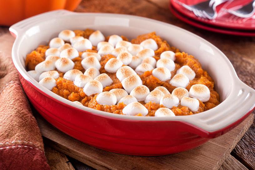 Słodka zapiekanka z batatów oczaruje najbardziej wybrednych smakoszy /123RF/PICSEL