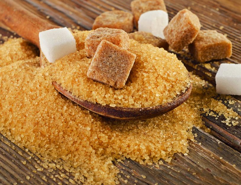 Słodki smak cukru jest uwielbiany na całym świecie, przez ludzi w różnym wieku. Bywa jednak, że uzależnia /123RF/PICSEL